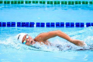 Dlaczego warto pływać? Zalety pływania.