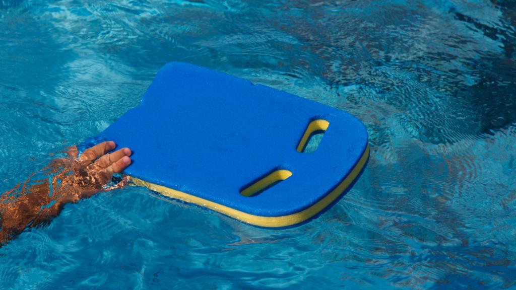 deska do pływania z uchwytami
