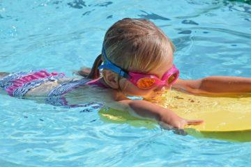 Deska do pływania - na co zwrócić uwagę?